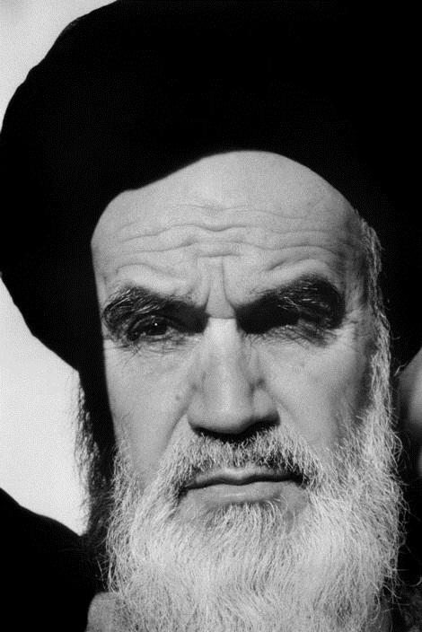 هیهات که خادمان اسلام به ملت خود خیانت کنند!