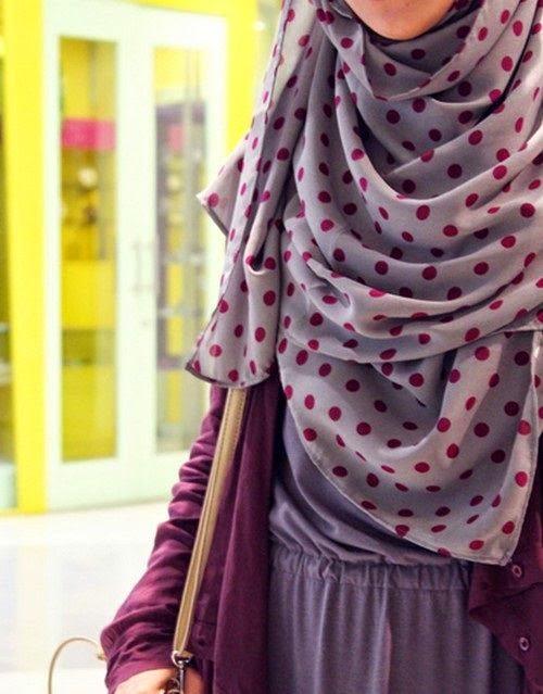 پاسخ به شبهات حجاب   باید حجاب را آزاد میگذاشتیم؟!